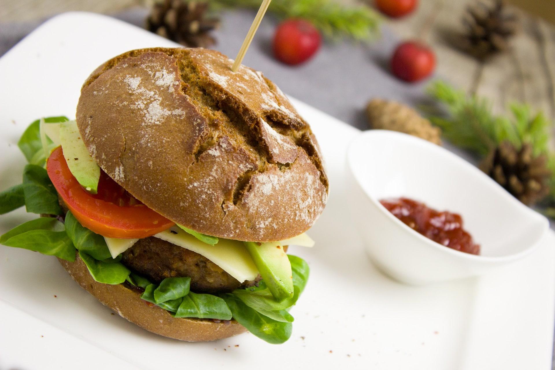 foto de una hamburguesa vegetariana